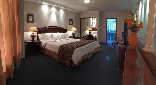 Crystal Palace Hotel: Montevideo, Uruguay