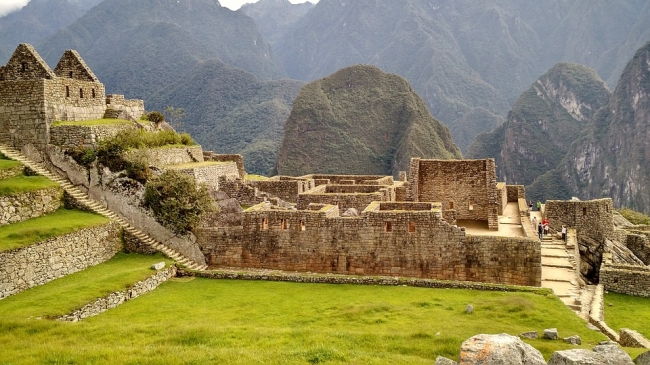 Machu Picchu, Perú · Cusco Imperdible · 05 Días · Paraíso verde transparente y elegante enmarcado en una majestuosa ciudad con ruinas históricas