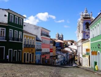 Salvador de Bahía, Brasil · Feriado Noviembre 2017 · 04 Días · Espíritu festivo con música y baile a cualquier hora del día.