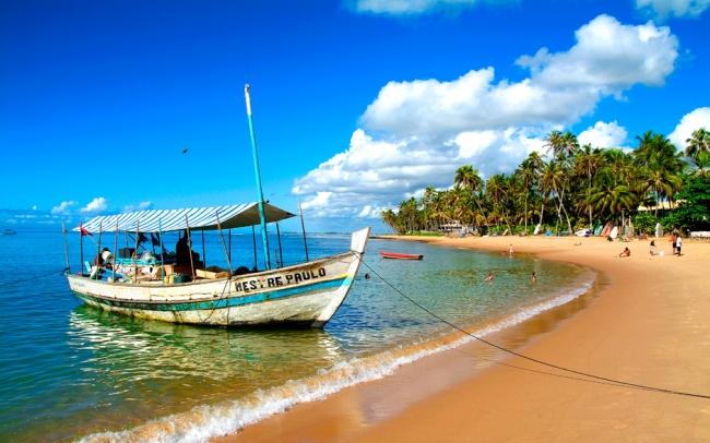 Praia do Forte, Brasil · 8 días Marzo · Aguas cristalinas, arena blanca, piscinas naturales con un típico estilo rústico