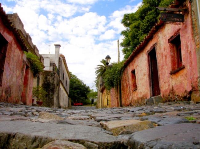 Colonia del Sacramento, Uruguay  · 4 Días · Marzo 2019 · Cultura e Historia en un ambiente natural