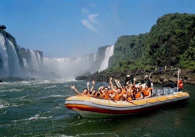 Iguazú, Argentina · Salidas todo el año · Visitá una de las siete Maravillas Naturales del Mundo